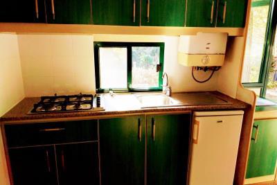 09-Kitchen-Plot-21-Toscana-Holiday-Village-Tuscany-Italy-Caravans-in-the-Sun--6-