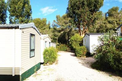 Plot-64-Swift-Burgundy--Var--South-of-France-Caravans-in-the-Sun-Front-view-patio--9-