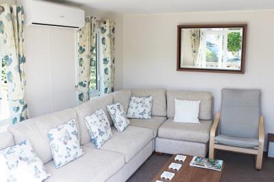 08-Lounge-Willerby-Chambery-Plot-521-Bergerac-South--11-