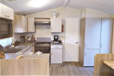 15-Lounge-Driner-Willerby-Rio-Special-Plot-66-Toscana-Holiday-Village-Tuscany-Italy--5-