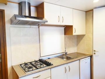06-Kitchen-Shelbox-Prestige-Plot-8-Toscana-Holiday-Village-Tuscany-Italy-Caravans-in-the-sun--14-