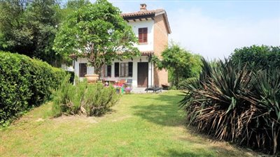 1 - Asti, Country House