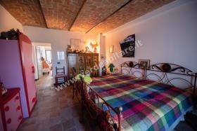 Image No.10-Propriété de pays de 6 chambres à vendre à Mombercelli