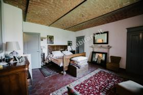 Image No.14-Propriété de pays de 6 chambres à vendre à Mombercelli