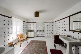 Image No.17-Propriété de pays de 6 chambres à vendre à Mombercelli