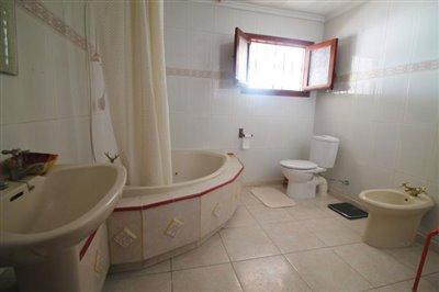 23---bathroom-2-1