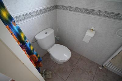 15---en-suite-bathrooom