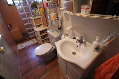 17-Bathroom-1