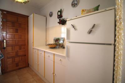 7--Kitchen-b