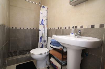 12---bathroom