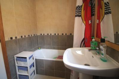 15-bathroom-2