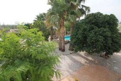 31-garden-pool-views