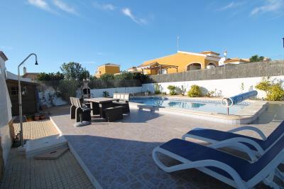 2---swimming-pool--area