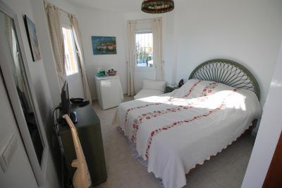 20---upstairs-bedroom