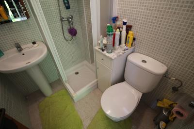 21---upstairs-bathroom