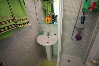 22---upstaris-bathroom