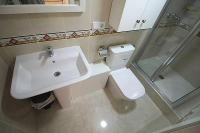 28---en-suite-bathroom