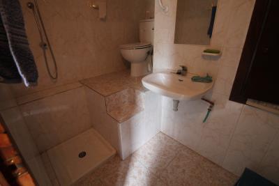 14-UB-Bathroom