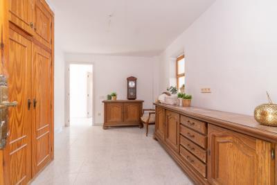 1-Reception-hallway