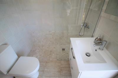 18-Bathroom-2