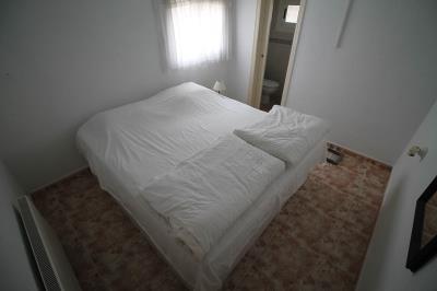 13---en-suite-bedroom