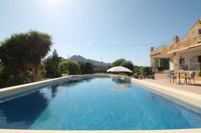 2---swimmg-pool