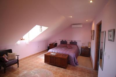 19---upstairs-matsre-bedroom