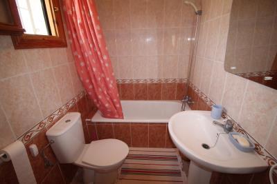15--bathroom