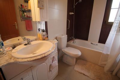 18---bathroom-2