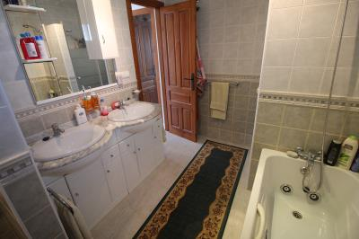 10---bathroom