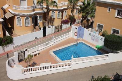 1a-Villas-del-Palmeral-Velazquez-comm-pool
