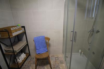 14---bathroom-1
