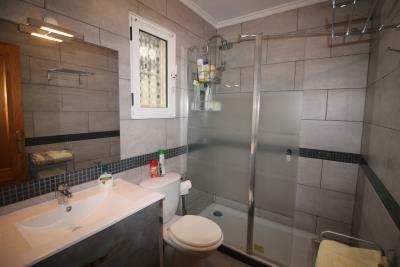 17-Bathroom-2