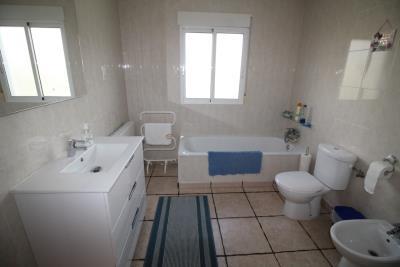 18-En-suite-Bathroom