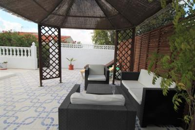 25-Pool-Chillout-Area-A