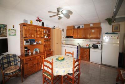 7-Salon-kitchen-6