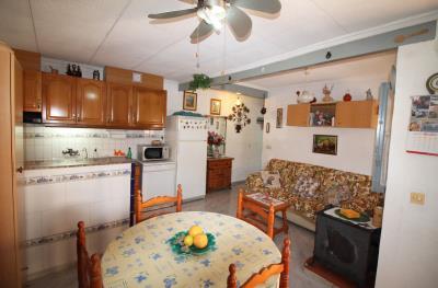 11-Salon-kitchen-1
