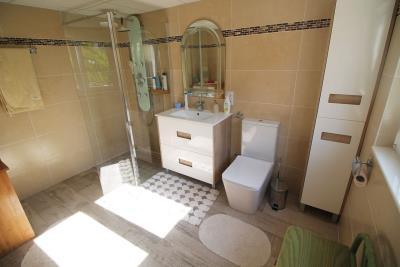 35-Underbuild-Bathroom-view-1-1