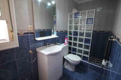 23-Bathroom-2-view-1-EN-SUITE