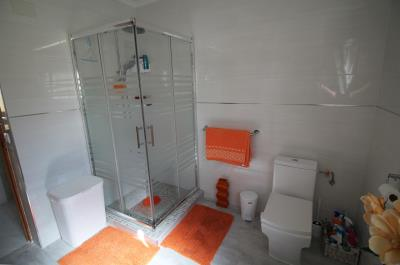 30-Bathroom-view-1