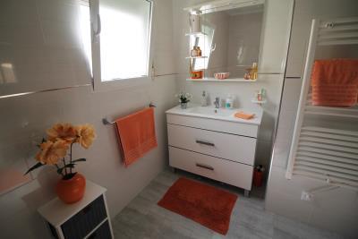 31-Bathroom-view-2