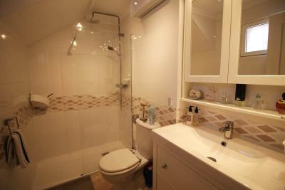 27-Bathroom-1-view-1