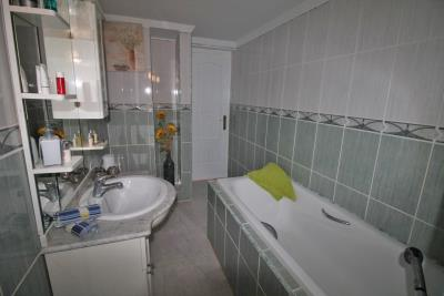 22-UB-Bathroom-2