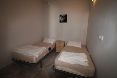 22-UB-Bedroom-4