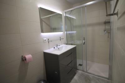 24-UB-Bathroom-2