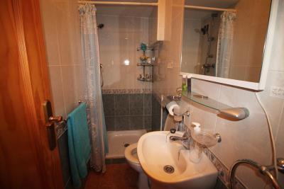 17-Bathroom-1-view-1