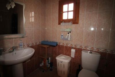 23-Bathroom-2-view-2