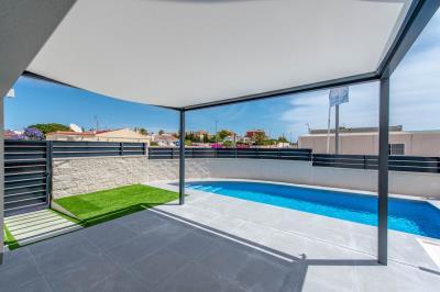 3--Front-Terrace