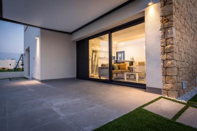 4--front-Terrace