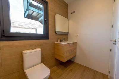 20--Bathroom